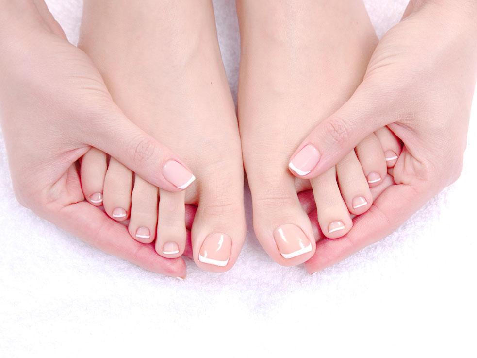 巻き爪や深爪、足の爪トラブルの多くは爪の切り方が原因かも?