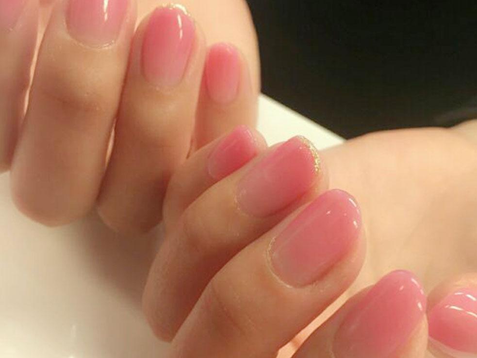 肌馴染みの良いシアー感のあるピンクも清潔感があってオススメ!