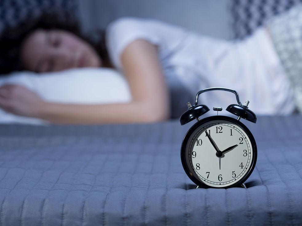 不眠さん必見!?寝る前に泣く「涙活」が快眠に効果的!?