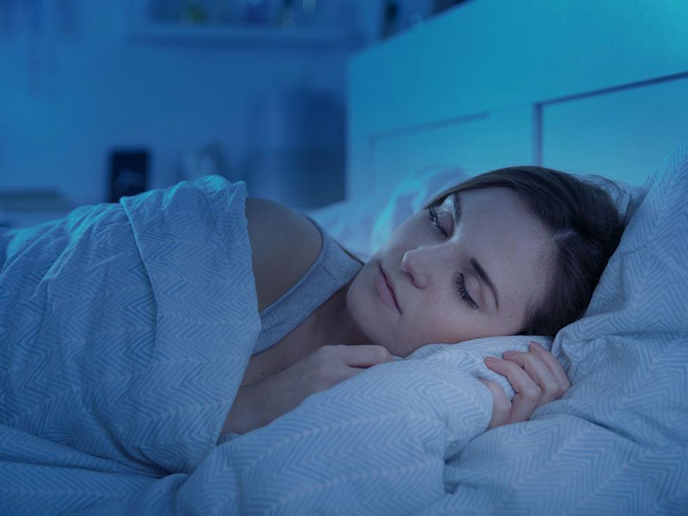 寝る前に泣くと、自律神経を整いリラックスして眠れる!?