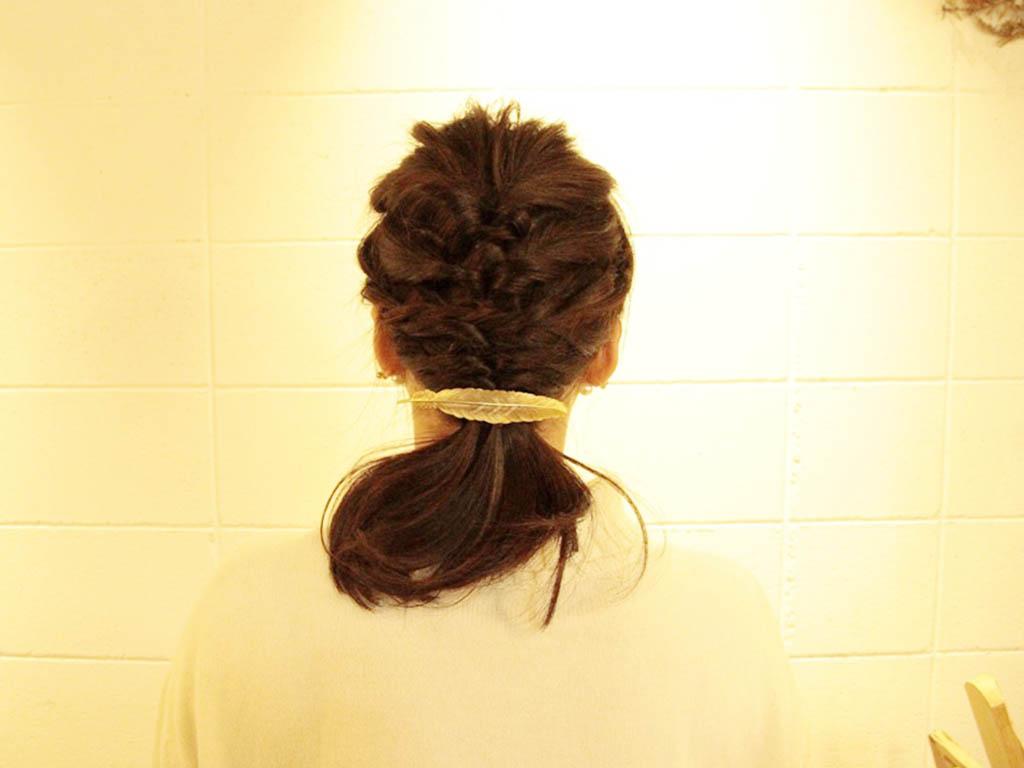 バレッタやリボンなどを付けて髪のオシャレを楽しんでくださいね