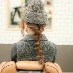 【簡単×個性派ヘアアレンジ】少し不思議なボコボコ編み目のダウンスタイルがかわいい
