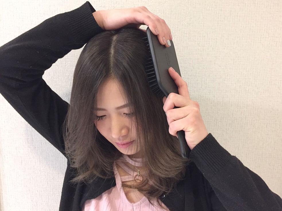 話題の「パドルブラシ」で頭皮ケアができちゃう!?