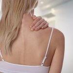 【肩こり・首こり解消方法】誰でもカンタンに短時間でできる肩・首こり解消ストレッチ