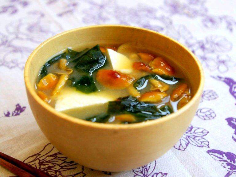 嬉しい効果いっぱい!ダイエットにピッタリな「豆腐となめこの味噌汁」