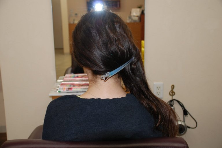 ときにはしっとりと落ち着きのある女性に。柔らかい丸みが上品なまとめ髪ヘアアレンジの作り方