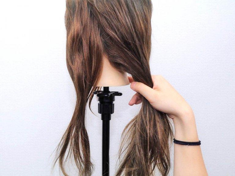 使うのはヘアゴムだけ!手順は髪を2つに割ってねじるだけ!!_1