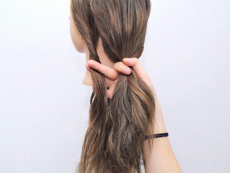 使うのはヘアゴムだけ!手順は髪を2つに割ってねじるだけ!!_2