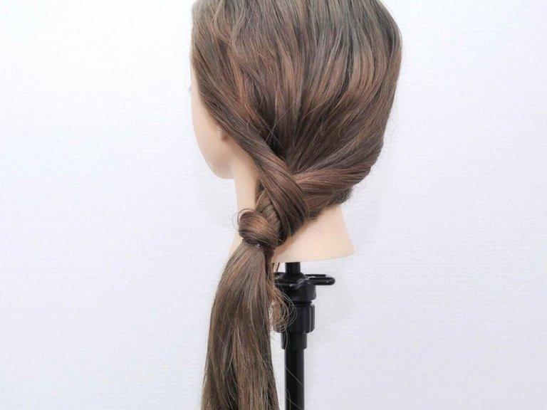 使うのはヘアゴムだけ!手順は髪を2つに割ってねじるだけ!!_4