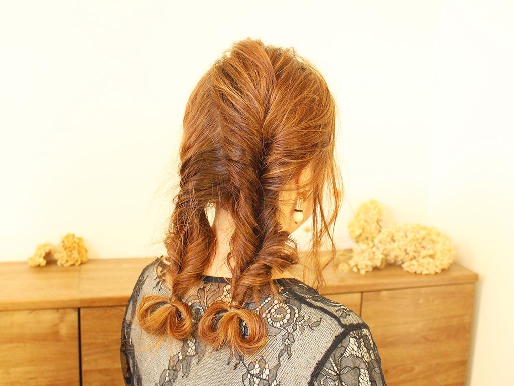 毛先のリボンがとってもキュート☆ねじるだけの簡単ツイストヘアスタイル