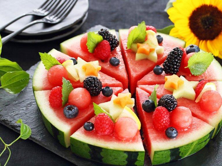 夏のフルーツは美肌成分の宝庫!