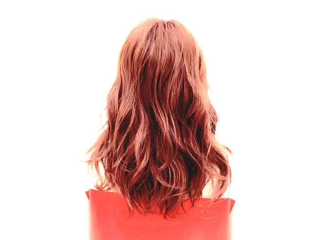秋直前!オトナ女子向けヘアカラーには、心躍る愛されコーラルピンクがオススメ!!