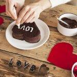 甘い物が苦手な彼には甘すぎない手作りスイーツを! バレンタインにピッタリなお菓子レシピ