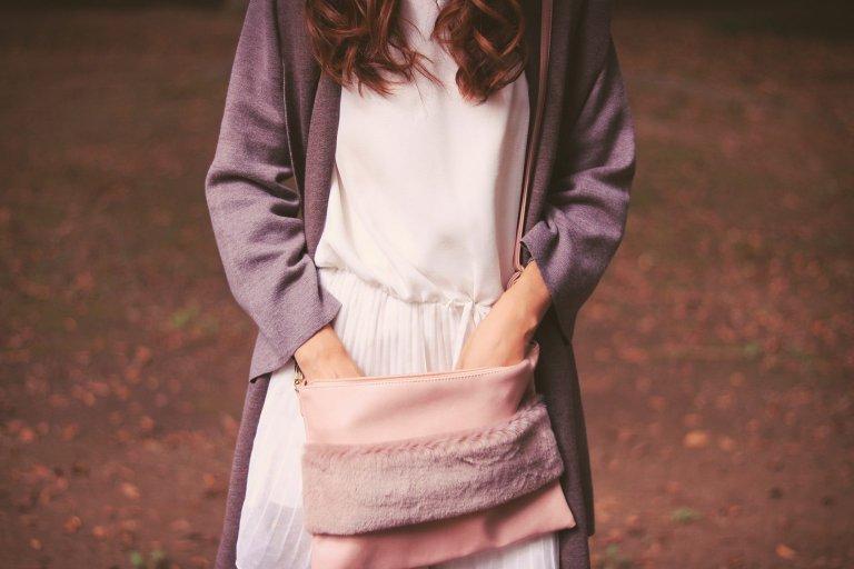 秋ファッションにベイクドカラーをうまく取り入れるには?