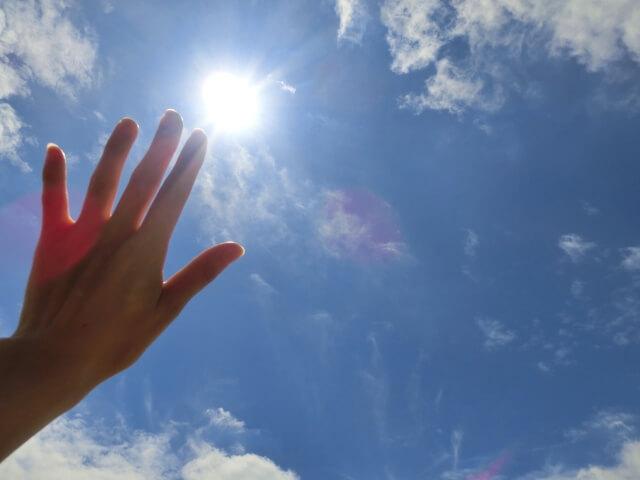 秋になっても紫外線対策が大切な理由